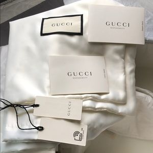 Gucci Shoes - ❌SOLD❌ GUCCI WHITE POOL SLIDES